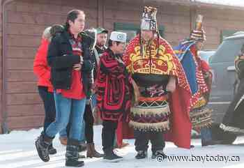 Wet'suwet'en hereditary chiefs meet with Mohawks in Kahnawake, Que.