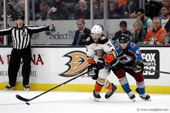 Ducks use humor to block out worries as NHL's trade deadline nears