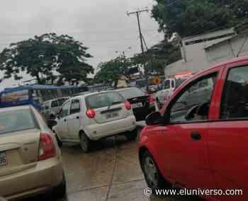Congestión por reclamos en el redondel de La Pradera, en el sur de Guayaquil - El Universo