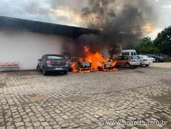 Incêndio na garagem da Prefeitura de Baixo Guandu destrói três veículos - A Gazeta ES