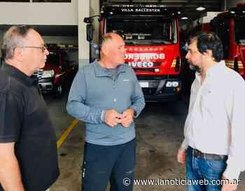 Fernando Moreira visitó el cuartel de Bomberos de Villa Ballester - lanoticiaweb.com.ar