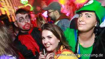 Party: Mega Umzugsparty im DAX - Teil 2