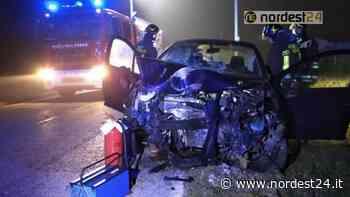 Incidente a Tiezzo di Azzano Decimo: esce di strada e abbatte due pali, grave - Nordest24.it