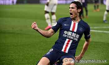 Robin Van Persie urges Manchester United to sign PSG striker Edinson Cavani