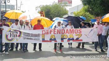 Docentes marcharon por las calles de Montería - El Heraldo (Colombia)