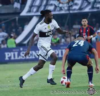 Com gol de ex-santista, Olimpia empata com o Cerro Porteño em dia de estreia de Adebayor - LANCE!
