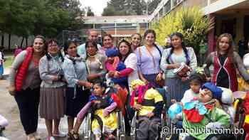 Sucre: niños del psicopedagógico Ciudad Joven San Juan de Dios disfrutan del Carnaval - FmBolivia
