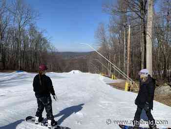 Annual program encourages female snowboarders - New Jersey Herald