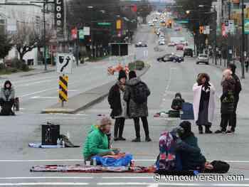 Wet'suwet'en protest: Police move to enforce injunction at Port of Vancouver blockade