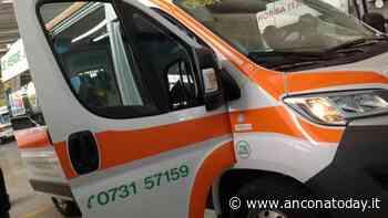 Schianto con l'Ape, feriti due giovani: corsa all'ospedale in codice rosso - AnconaToday