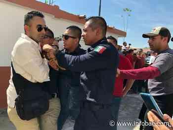 El accidentando mitin de López Obrador en Anenecuilco: un hombre empuñó una pistola contra los manifestantes - infobae