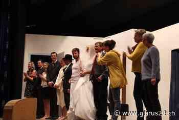 Ausser Kontrolle – mit Ray Cooney und dem Theater Elm - glarus24.ch