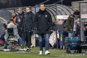 FC Metz : Hognon trouve que le penalty pour l'OL est un scandale - Sport.fr