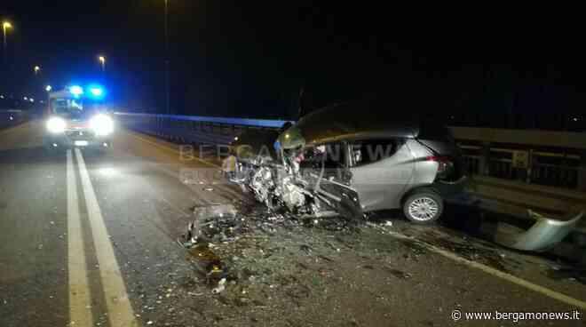 Grassobbio, scontro tra due auto in tangenziale: muore un uomo - BergamoNews.it