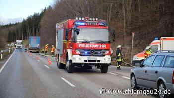 Unfall auf B304 bei Altenmarkt an der Alz: Bundesstraße voll gesperrt | Altenmarkt an der Alz - chiemgau24.de