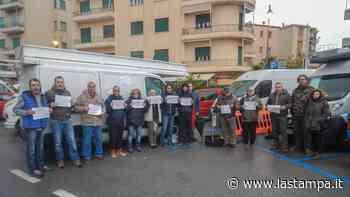 Albissola Marina, stop al mercato settimanale: proteste degli ambulanti - La Stampa