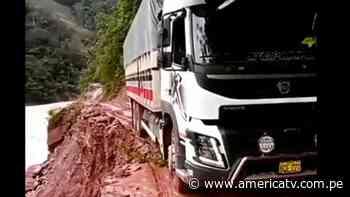 Oxapampa: Camión estuvo a punto de caer a un río en Pozuzo - América Televisión