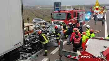 Auto contro Tir in sosta in A22, muore 53enne di Lazise - L'Arena