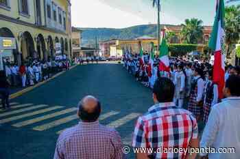 Efectúan conmemoración por Día de la bandera en Santiago Tuxtla - Diario Eyipantla