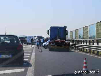 Un'automobile si ribalta sull'A16 a Casalnuovo di Napoli - Napoli.zon