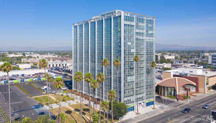 Panorama Tower, Empty Since Northridge Earthquake, Reopens With Nearly 200 Apartments