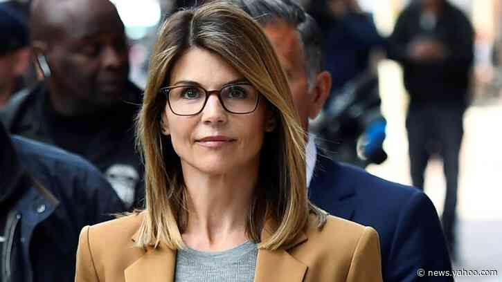 Lori Loughlin's Lawyer: FBI Told College Admissions Scam Artist to Lie