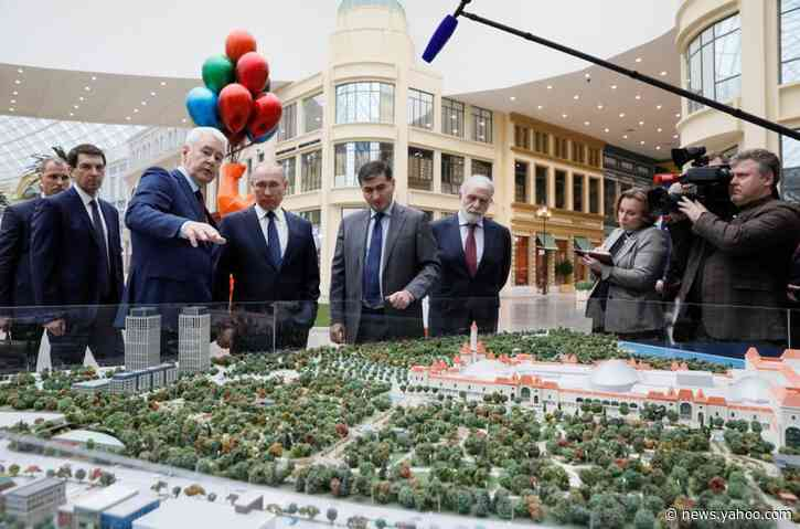 Vladimir Putin inspects Russia's answer to Disneyland before grand opening