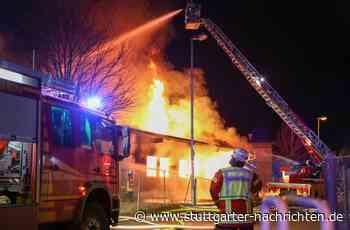 Brand in Donzdorf - Flammen zerstören Schreinerei – Schaden enorm - Stuttgarter Nachrichten