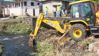 Realizan limpieza en río de Pan de Azúcar, se investiga mortandad de peces - Telemetro