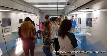 """Touchtomorrwo-Truck"" macht an Gesamtschule Linnich-Aldenhoven Station - Aachener Zeitung"