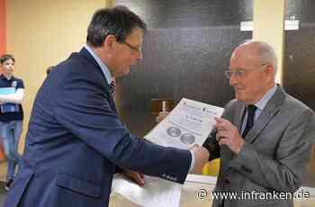 Hirschberg-Medaille für Walter Vogt - inFranken.de