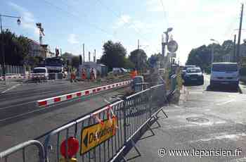 Roissy-en-Brie : encore une voiture percutée au passage à niveau - Le Parisien