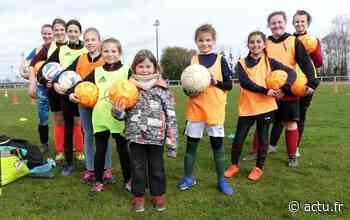 Aux Andelys (Eure), les jeunes footballeuses sur les terrains pendant les vacances - actu.fr