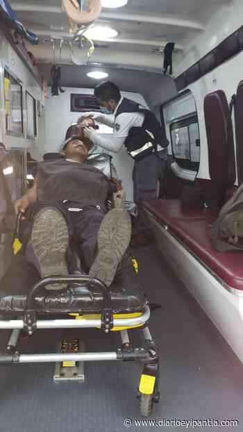 Dos lesionados tras chocar moto contra bicicleta en Cosamaloapan - Diario Eyipantla