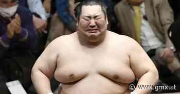 Sumo-Ringen: Tokushoryu Makoto bricht nach unerwartetem Sieg in Tränen aus - GMX.AT