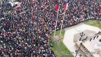 Valparaiso: exoficiales de la Armada protagonizan acto de desagravio tras ataque a monumento a los Héroes de Iquique - El Mostrador