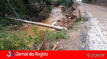 Postes caíram no rio em Campo Limpo Paulista - JORNAL DA REGIÃO - JUNDIAÍ