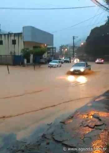 Chuva alaga ruas em Venda Nova do Imigrante - A Gazeta