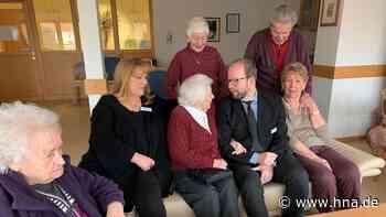 Sie sind seine Familie geworden - Grunwald verlässt schweren Herzens das Seniorenzentrum - hna.de