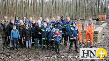 Freiwillige legen im Elm kräftig Hand an - Helmstedter Nachrichten