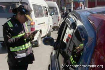 Primeras cuadras del Jirón Tiahuanaco de la ciudad de Puno se han convertido en estacionamientos de vehículos particulares durante varios meses - Pachamama radio 850 AM