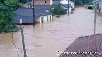 Duas pessoas estão soterradas em Muniz Freire e Irupi; 17 cidades estão em alerta máximo - Aqui Notícias - www.aquinoticias.com