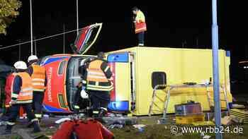 Erneut schwerer Unfall mit Rettungswagen - rbb|24