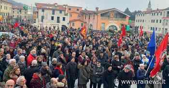"""Torrebelvicino (VI) scende in piazza per dire """"No"""" alla xenofobia - TGR – Rai"""