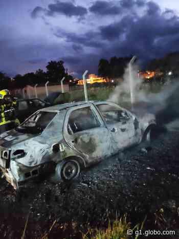 Incêndio em carro mobiliza bombeiros em Tijucas - G1