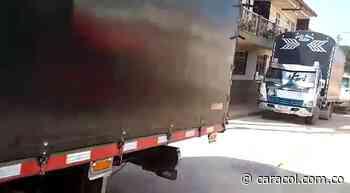 VIDEO: Los trancones en Zapatoca por la emergencia vial - Caracol Radio