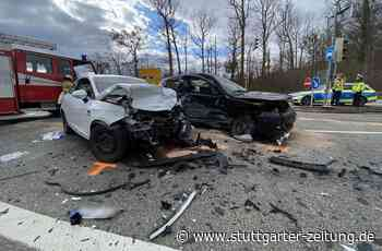 Zwischen Holzgerlingen und Böblingen - Frau bei Unfall mit drei Autos lebensgefährlich verletzt - Stuttgarter Zeitung