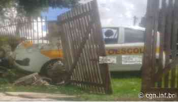 Laranjeiras do Sul: Veículo de autoescola bate em muro e causa danos - CGN