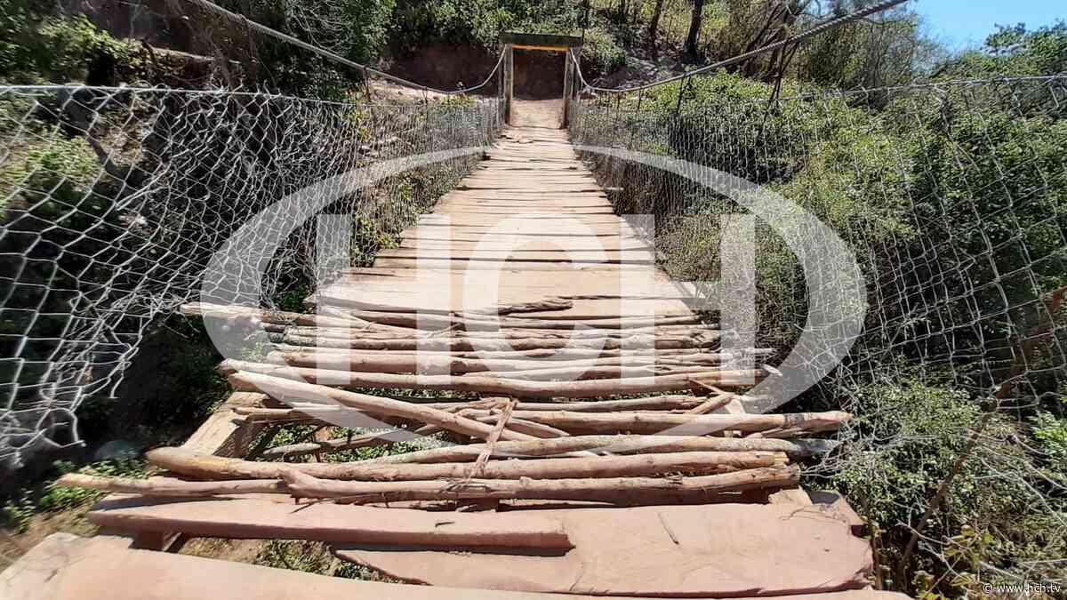 ¡Peligro! A punto de colapsar vetusto puente de hamaca en Lepaera, Lempira - hch.tv