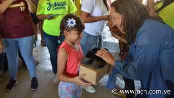 Niños beneficiados con zapatos en Guacara: en el marco del Plan z - ACN ( Agencia Carabobeña de Noticias)